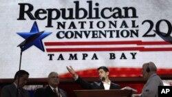 El candidato vicepresidencial Paul Ryan en el podio de la Convención donde esta noche será el orador principal.