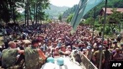 Holandski mirovni posmatrači UN-a u blizini Srebrenice tokom rata u BiH