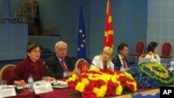 Во Македонија расте Интернет криминалот
