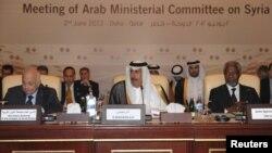 El enviado especial de la ONU, Kofi Annan, asistió a una reunión convocada en Qatar por la Liga Árabe para discutir la crisis siria.