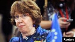 무르시 전 대통령을 면담한 캐서린 애슈턴 유럽연합 외교안보고위대표. (자료사진)