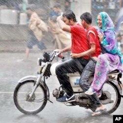 مون سون بارشوں میں 150 ہلاک
