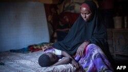 Seorang perempuan Somalia yang dulu berprofesi sebagai tukang sunat anak perempuan (foto: ilustrasi).