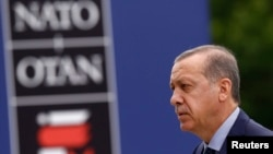 Tổng thống Thổ Nhĩ Kỳ Tayyip Erdogan đến tham dự Hội nghị Thượng đỉnh NATO ở Warsaw, Ba Lan, ngày 9/7/2016.