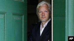 Üç yıldır Londra'daki Ekvator büyükelçiliğinde yaşanar Wikileaks'ın kurucusu Julien Assange
