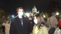 Protest zbog zagađenja vazduha u organizaciji Ne davimo Beograd u oktobru 2019. godine ispred Skupštine grada, Foto: VOA