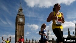 Wakimbia katika mbio za Marathon London.