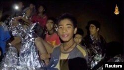 """Dečaci u pećini na novom snimku koij su objavile tajlandske """"foke"""""""