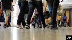 La idea es elevar el nivel académico de los estudiantes y hacer las escuelas de EE.UU. más competitivas.
