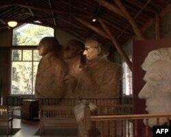 拉什莫尔山下的雕塑工作坊