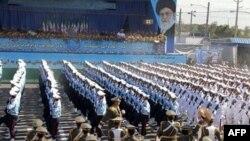 Парад иранских вооруженных сил в Тегеране (архивное фото)