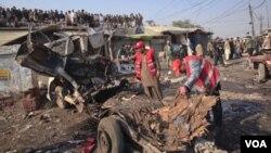 Las autoridades dijeron que ellos creen que la explosión en un mercado de la región tribal de Khyber fue operada a control remoto.