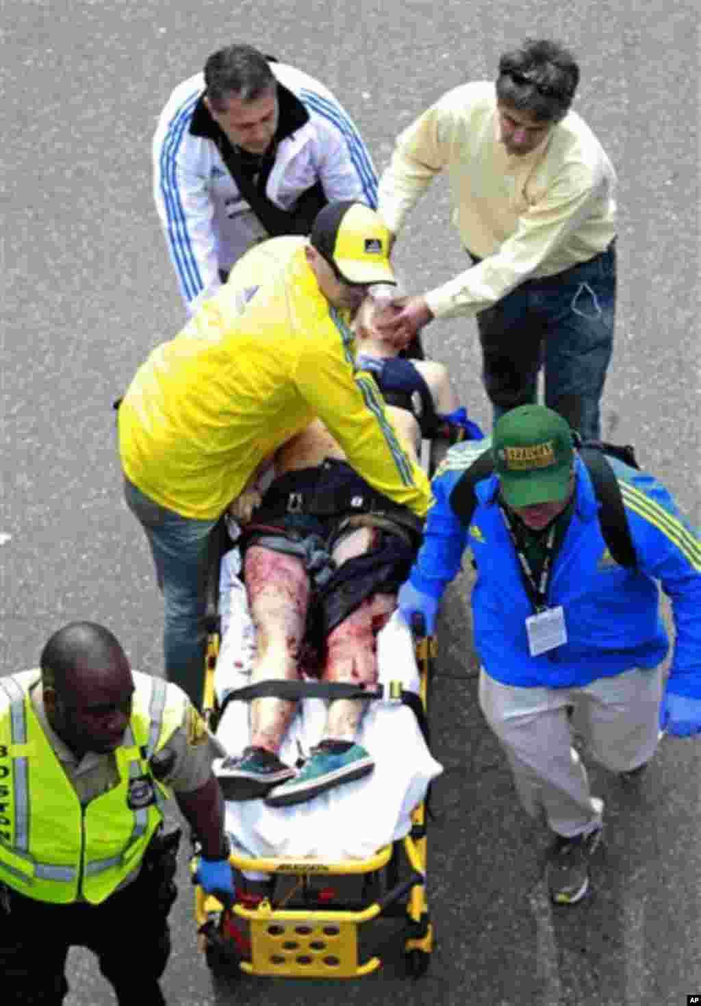 Qaraxyadii shalay lagu weeraray orodka caanka ah Boston Marathon.