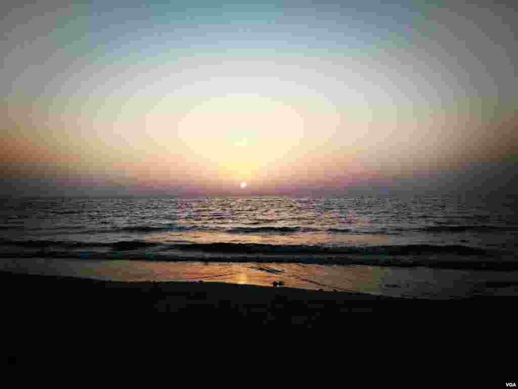 غروب آفتاب در چابهار عکس: میربلوچزهی (ارسالی شما)