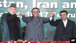 احمدی نژاد: مداخلۀ خارجی منبع مشکلات در منطقه است.