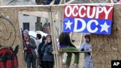 """12月4号""""占领华盛顿""""抗议者在他们搭起的临时过夜设施中"""