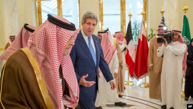 kerry-gulf-officials-discuss-impact-of-iran-nuclear-deal