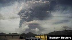 Letusan gunung berapi La Soufriere di pulau St Vincent, Karibia (foto: dok).