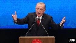 Cumhurbaşkanı Recep Tayyip Erdogan partisinin Genişletilmiş İl Başkanları Toplantısı'nda konuştu.