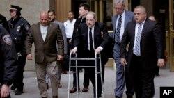 Harvey Weinstein quittant le tribunal de New York, le 6 janvier 2020.