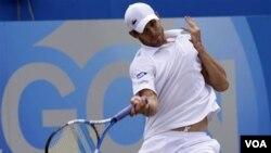 Petenis Andy Roddick yang mengalami cedera otot paha mundur dari Australia Terbuka (foto: dok).