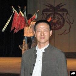 当代传奇剧场创办人吴兴国