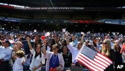 公民入籍美國一個儀式上(資料圖片)
