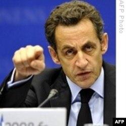 Burka nije dobrodošla u Francuskoj: Nikola Sarkozi