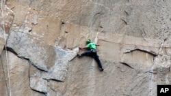 Kevin Jorgeson, durant la conquête d'El Capitan (Photo Tom Evans)
