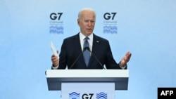 Perezida wa Reta zunze ubumwe za Amerika Joe Biden mu kiganiro n'abamenyeshamakuru ku musi wa nyuma w'inama ya G7 i Cornwall mu Bwongereza. kw'itariki ya 13/06/2021