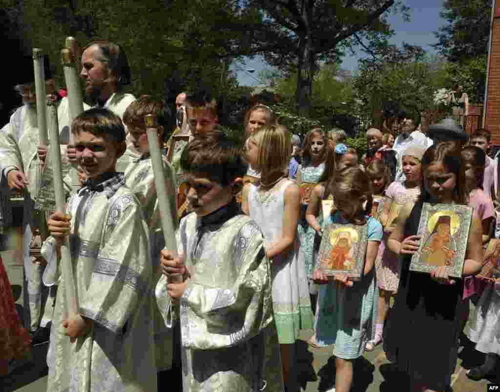 Детский крестный ход. Собор Святого Иоанна Предтечи
