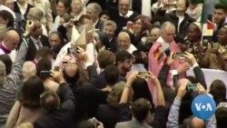 Le pape François tient une masse au Maroc