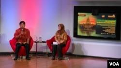 Muhammad Ali dan Imam Mohamad Joban berbagi cerita tentang kehidupan muslim di AS di @America, Jakarta, 13 JUni 2014 (Foto: VOA/Alina)