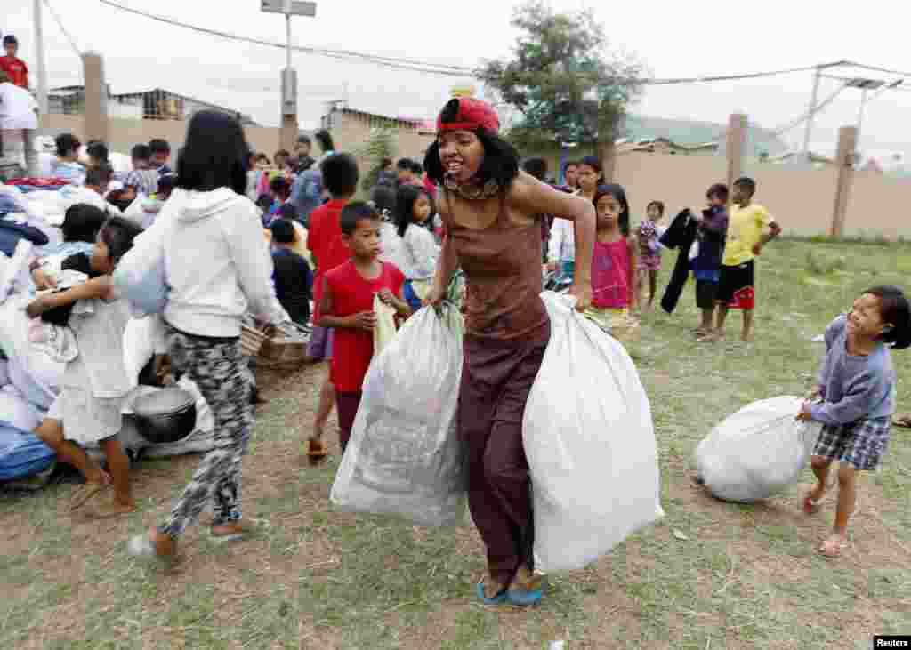 طوفان کے پیش نظر پہلے ہی تقریباً 17 لاکھ لوگوں کو محفوظ مقامات پر منتقل کر دیا گیا تھا۔