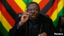 Primeiro-ministro do Zimbabué, Morgan Tsvangirai durante uma conferencia de imprensa em Harare, 13 Junho 2013