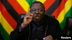 PM Zimbabwe Morgan Tsvangirai berjanji akan melawan keputusan sepihak mengenai pemilu tanggal 31 Juli (13/6).