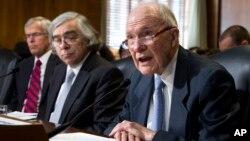 미국 공화당 인사인 브렌트 스코크로프트 전 백악관 국가안보보좌관(오른쪽). (자료사진)