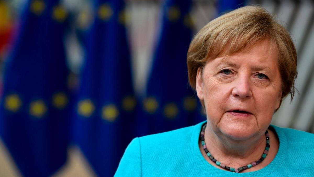Eropa 'Bergerak Hati-Hati' Hadapi Lonjakan Virus Delta