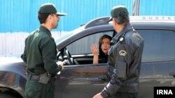 گشت ارشاد محسوس سالهاست که در خیابانهای ایران حضور دارد اما گشت نامحسوس ابتکار جدید نیروی انتظامی است.
