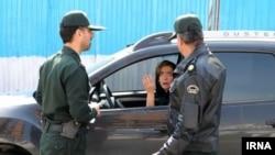 گشت ارشاد، توقیف خودروی رانندگان زن که حجاب کامل ندارند توسط پلیس تهران