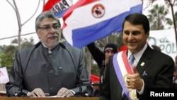 Tras la destitución de Fernando Lugo, el vicepresidente Federico Franco, derecha, asumió como mandatario de Paraguay.