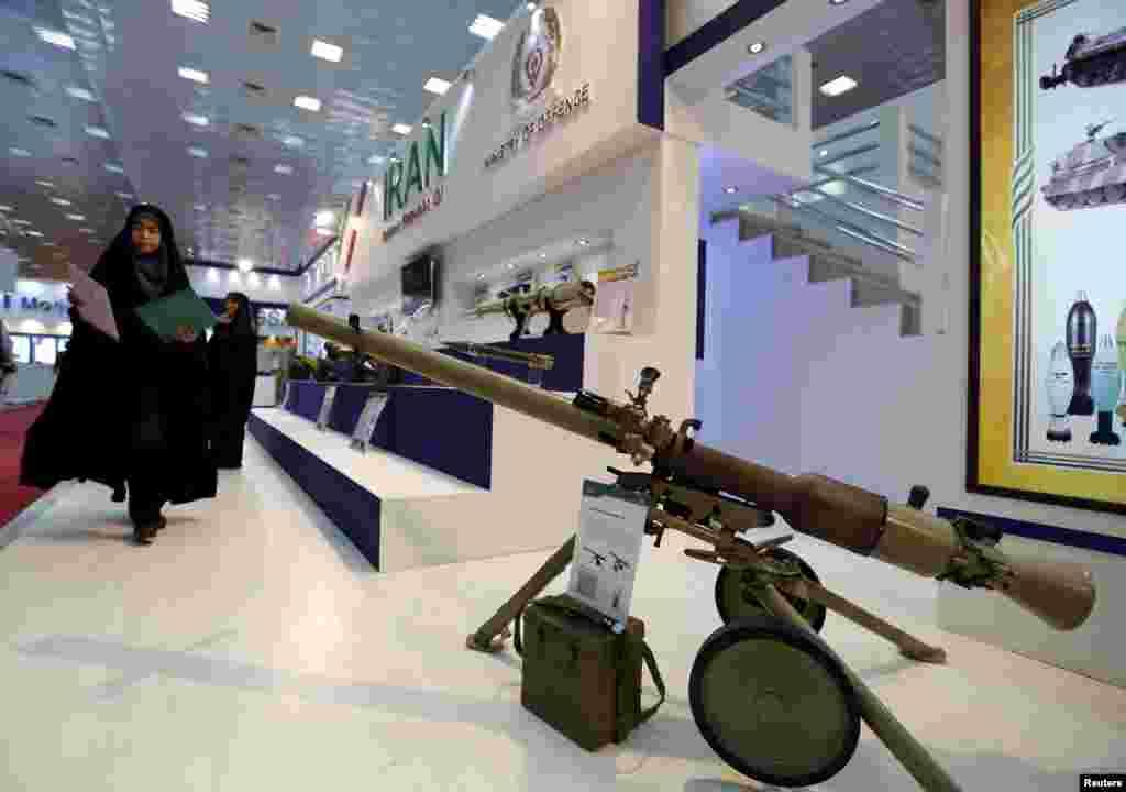 نمایش تسلیحات ساخت ایران در نمایشگاه تسلیحات نظامی و دفاعی بین المللی بغداد