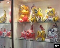 北京商店里琳琅满目的虎形象