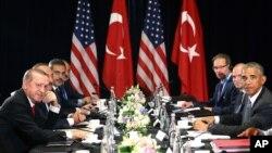 Президенти Ердоган (л) і Обама на самі «Великої двадцятки» в Китаї