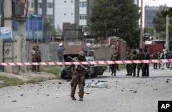 صدارتی محل کے قریب راکٹ حملوں کی فوری طور پر کسی گروہ نے ذمہ داری قبول نہیں کی۔