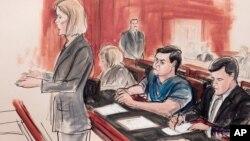 Sketsa gambar sidang pengadilan terhadap warga Rusia, Evgeny Buryakov (baju biru) yang dituduh menjadi mata-mata Rusia di AS (foto: dok).
