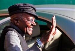 Desmond Tutu já está a convalescer em casa