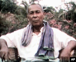 Khmer Rouge Army Chief Ta Mok is seen in this image taken from television at his headquarters in Anlong Veng, Cambodia (1998 file photo)
