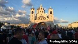 Demonstracije poklonika Srpske pravoslavne crkve u Podgorici (Foto: VOA)
