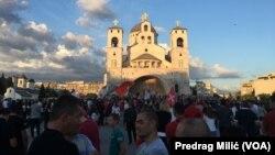 Šetnja sveštenstva Srpske pravoslavne crkve u prestonici Crne Gore Podgorici